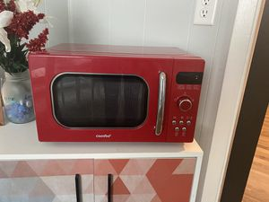 Retro Red Microwave for Sale in Pleasant Hill, IA