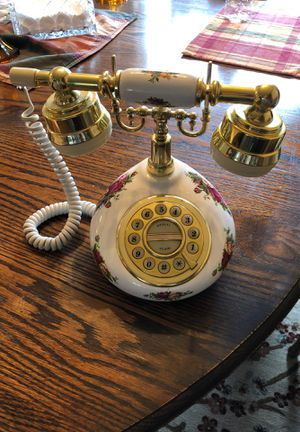 Old Country Rose Push button telephone with phone cord for Sale in Vancouver, WA