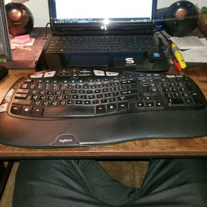 Logitech Keyboard (Wireless) for Sale in Ontario, CA