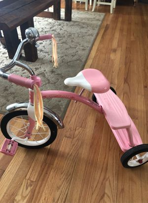 Pink Radio Flyer large tricycle for Sale in Lombard, IL