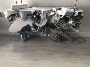 MODERN CONSOLE TABLE for Sale in Orlando, FL