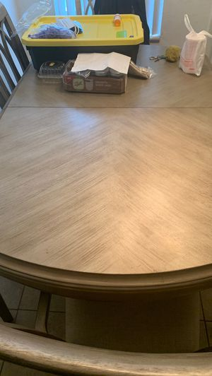 LOVELY DINING SET TABLE WITH 6 CHAIRS FOR SALE for Sale in Miami, FL