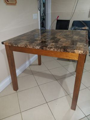 Small Kitchen Table 42x36 for Sale in Bronx, NY