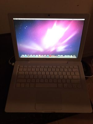 Older macbook model 1181 needs battery for Sale in Washington, DC