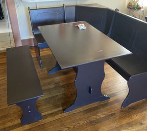 3 piece breakfast nook for Sale in Oakland, CA