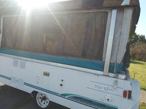 Coleman sun valley camper for Sale in Sacramento, CA