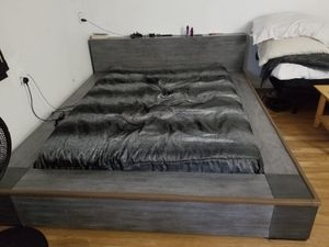 Queen morgana wooden bed frame for Sale in Bloomington, CA