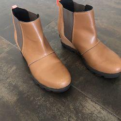 Girla Sorel waterproof Boots - Size 4 for Sale in Rancho Mirage,  CA