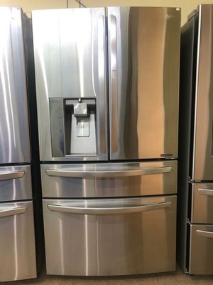 Lg 4 Doors French door refrigerator for Sale in Phoenix, AZ