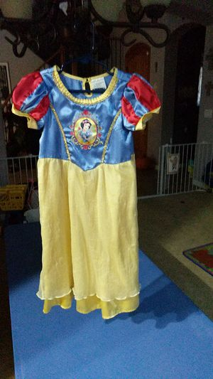 Disney princess Snow White dress costume 2-3T for Sale in Gilbert, AZ