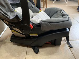Graco Snugride 35 Car seat for Sale in New Port Richey, FL