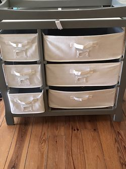 $30 CHANGING TABLE& DRAWERS for Sale in Santa Ana,  CA