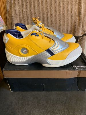 Reebok answer 5 size 9 worm 2x with box for Sale in San Antonio, TX