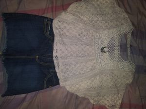 Woman's outfit /skirt / croptop for Sale in North Las Vegas, NV