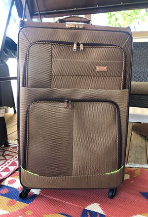 35x21 HAB luggage for Sale in Dearborn Heights, MI