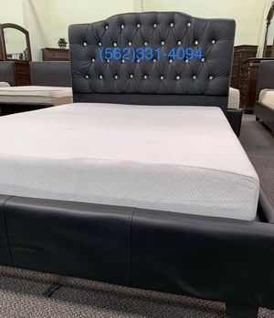 💫 New Queen Black Tufted Bed with Mattress Included 💫 for Sale in Clovis, CA