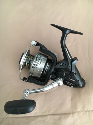 Shimano baitrunner 4000oc spinning reel for Sale in San Diego, CA