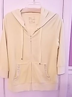 SUPER CUTE YELLOW & BlING TERRY CLOTH SHORT & HOODY SET! for Sale in Hendersonville, TN