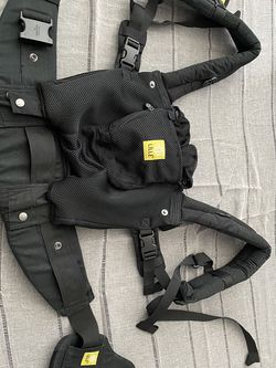 Lille Baby Carrier Black for Sale in Fresno,  CA
