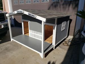 Dog house for Sale in Compton, CA
