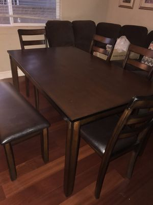 Kitchen table and chairs BRAND NEW for Sale in Redondo Beach, CA