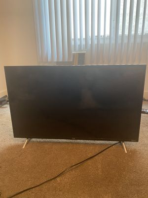"""TCL 43"""" Roku Smart TV for Sale in West Hollywood, CA"""