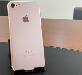 Iphone 7 32 GB Unlocked Excellent Condition for Sale in Baltimore,  MD