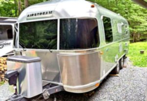 Mirror w 2O16 Airstream Flying Cloud 23FB travel trailer 💪 for Sale in Buckeystown, MD