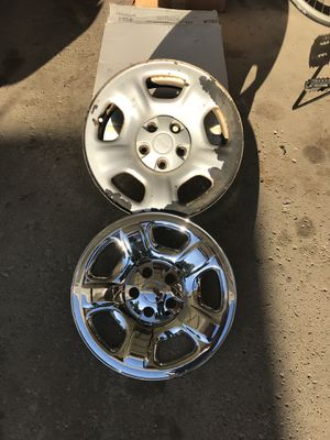 2004 Jeep Liberty wheels and caps (set of 4) for Sale in Park Ridge, IL
