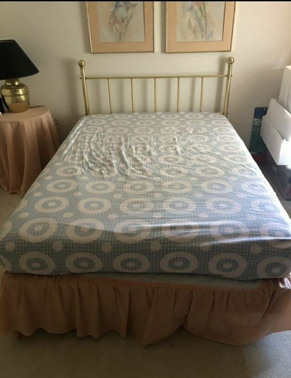 Full bed (mattress, box spring, and frame)