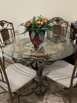 Elegant Glass Dining Set for Sale in Lake Forest,  CA