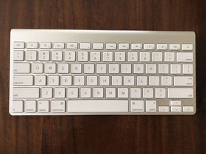 Apple wireless bluetooth keyboard for Sale in Laveen Village, AZ