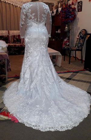 Wedding dress brand new for Sale in Moreno Valley, CA