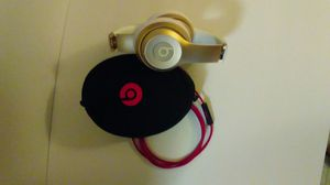 Beats Solo Gold and White for Sale in Bothell, WA