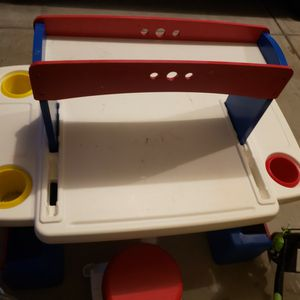 Step 2 desk with 2 chairs for Sale in Marietta, GA