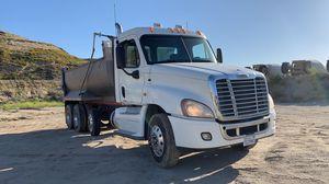 2009 Freightliner Cascadia Super 10 dump truck Detroit DD15 for Sale in Westchester, CA