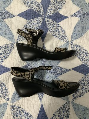 Women's Tommy Hilfiger Sandals for Sale in Woodbridge, VA