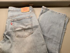 Woman boot cut Levi's Size 8 for Sale in La Mirada, CA