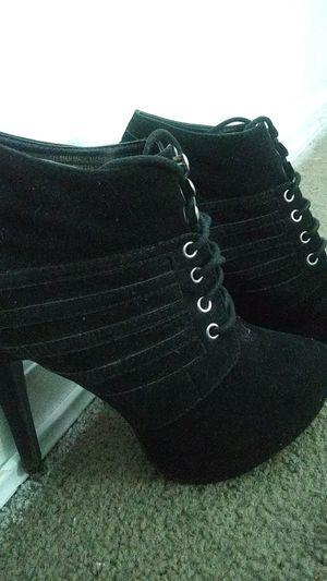 Size 7.5 Heel booties for Sale in Wichita, KS