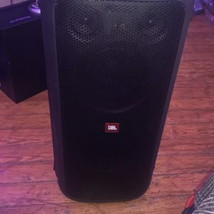 JBL Portable Speaker for Sale in Pawtucket, RI