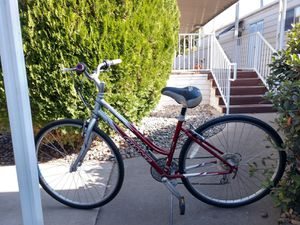 Giant cypress womens bike for Sale in Modesto, CA