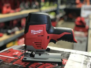 MILWAUKEE M12 CORDLESS JIG SAW NO BATTERY OR CHARGER INCLUDED TOOL ONLY SOLO LA HERRAMIENTA for Sale in Moreno Valley, CA