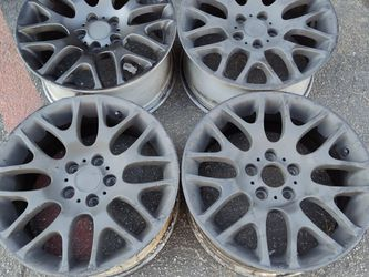 BMW 3 series staggered 18 inch Aluminum wheels for Sale in Montebello,  CA
