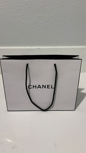 Chanel gift bag for Sale in Beverly Hills, CA