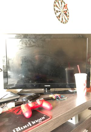 Toshiba tv with remote for Sale in Washington, DC