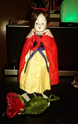Vintage Snow White Collectible for Sale in BRAINERD, MN