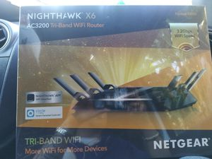 NETGEAR Night hawk X6 Ac3200 Tri-band wifi router for Sale in Bellflower, CA