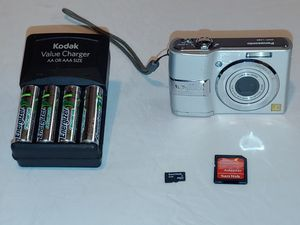 Digital Camera Bundle-Comes With Memory Card/Charger/Batteries for Sale in Grand Prairie, TX
