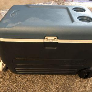 Large Igloo Rolling Cooler for Sale in Oceanside, CA