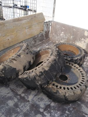 Bobcat tires for Sale in Chicago, IL